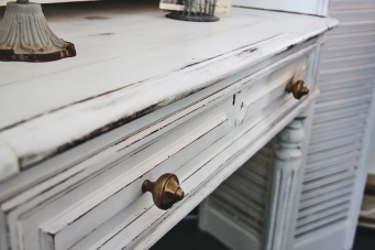 Close up of the pull out drawer