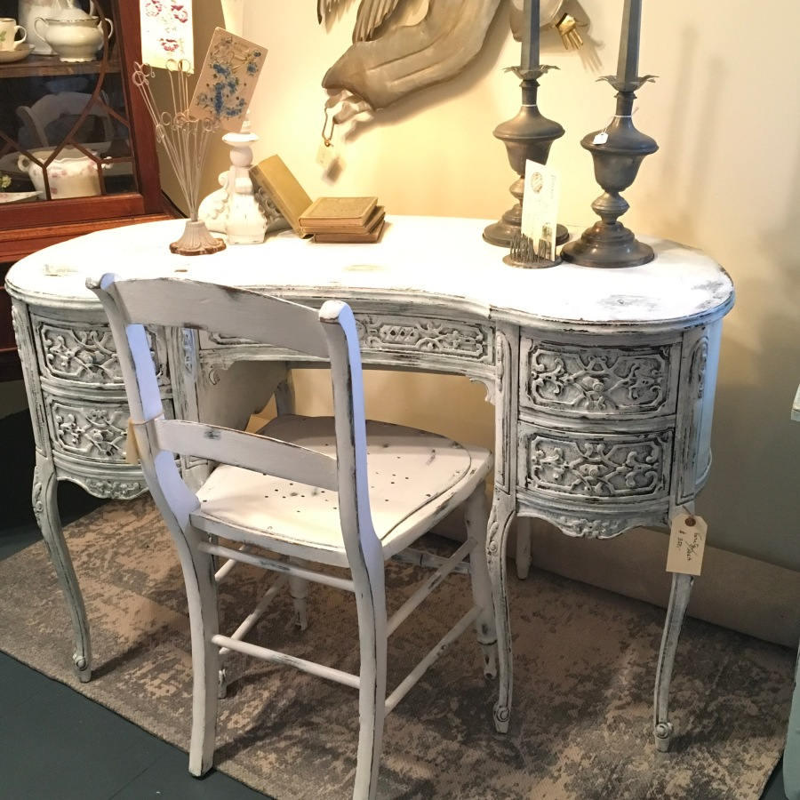 For Sale: Lady's Desk